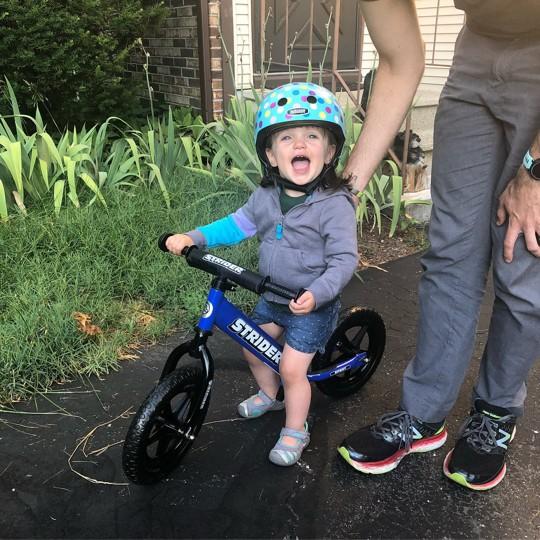 STRIDER 12 Sport Balance Bike - Blue, Kids Unisex image number null