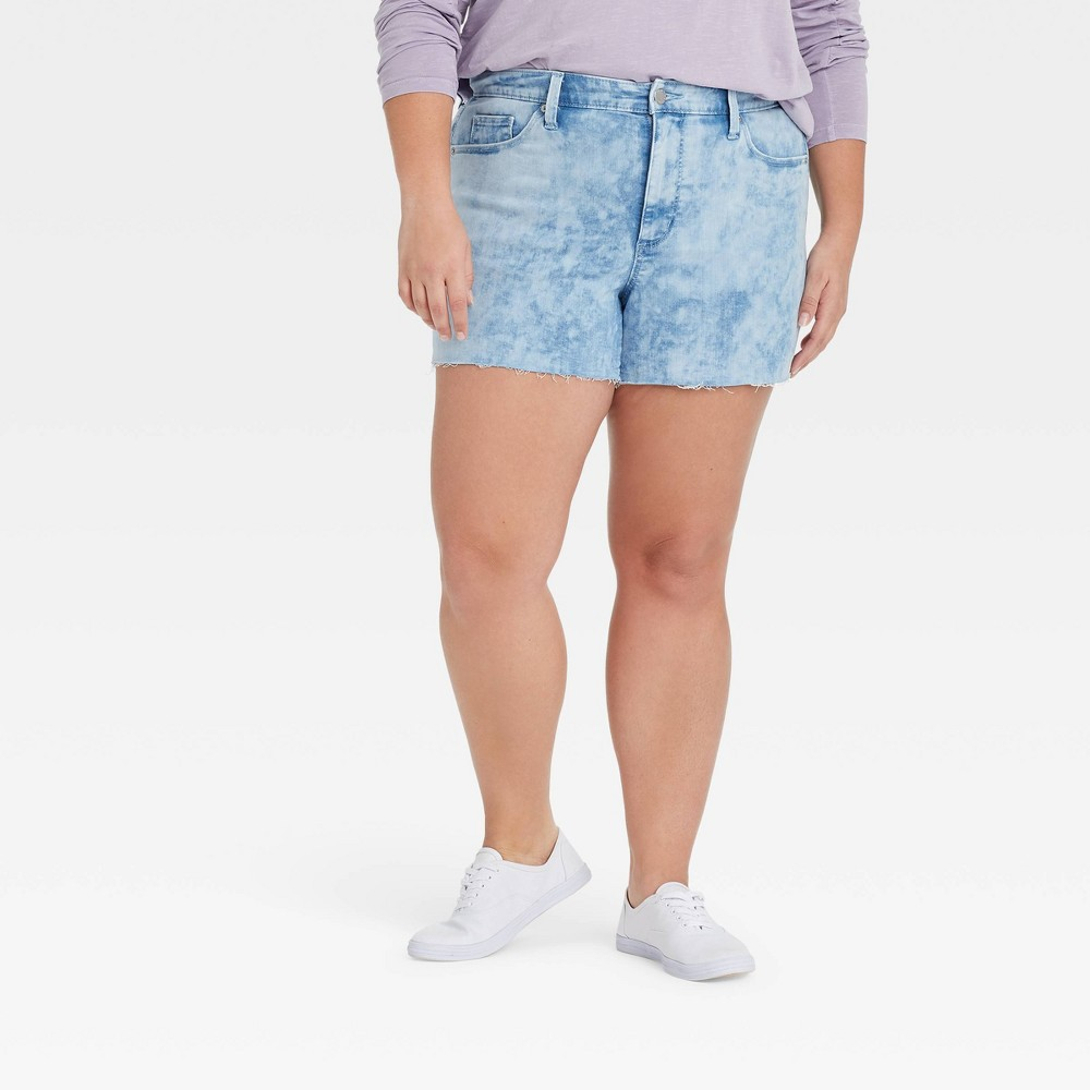 Women 39 S Plus Size High Rise Jean Shorts Universal Thread 8482 Light Acid Wash 24w