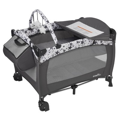 Evenflo Portable BabySuite Deluxe - Pop Star