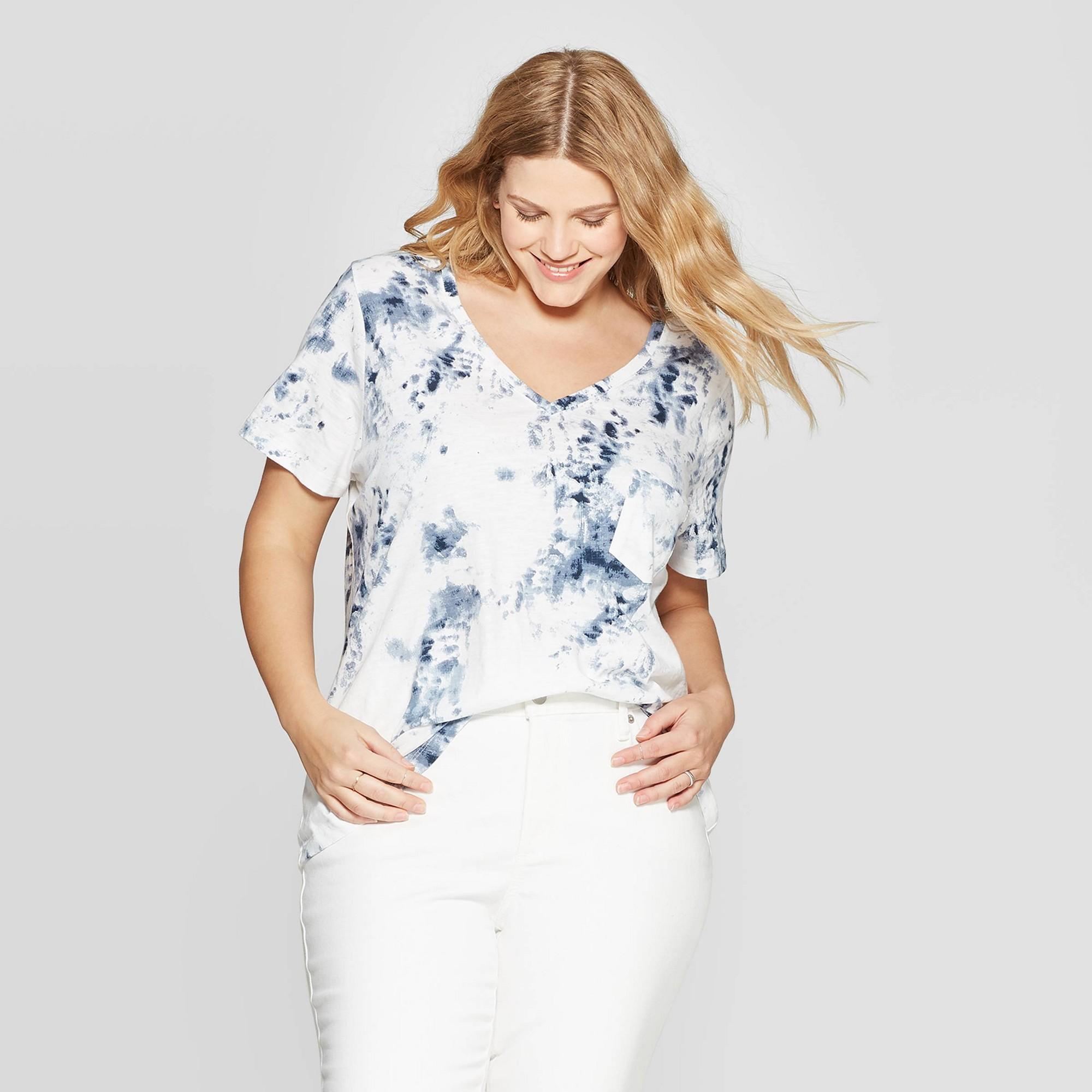 Women's Plus Size Short Sleeve V-Neck Pocket T-Shirt - Universal Thread Blue 1X