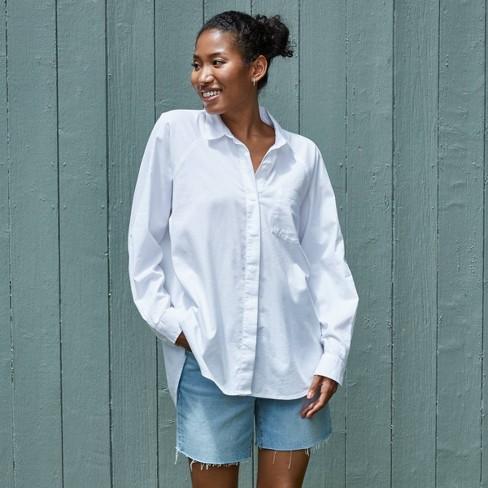 Women's Long Sleeve Button-Down Boyfriend Shirt - Universal Thread™ True White  - image 1 of 4