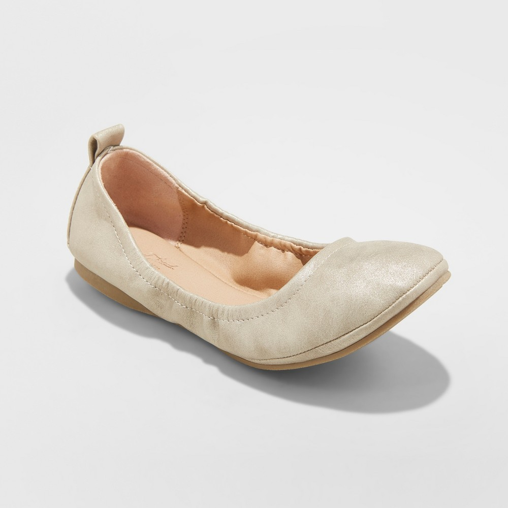 Women's Delaney Metallic Round Toe Ballet Flats - Universal Thread Gold 10
