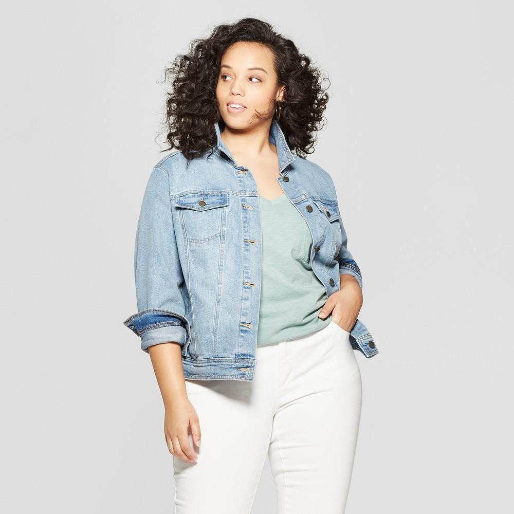 Women's Plus Size Freeborn Denim Jacket - Universal Thread Light Wash X, Blue