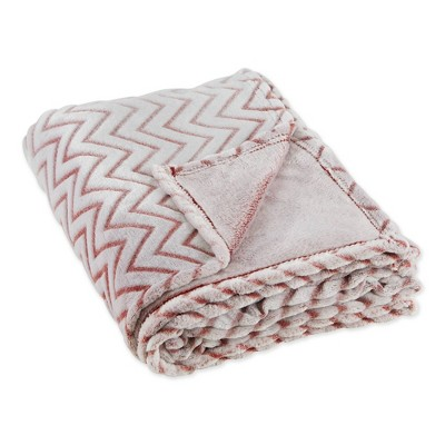 "50""x60"" Chevron Plush Throw Blanket - Design Imports"