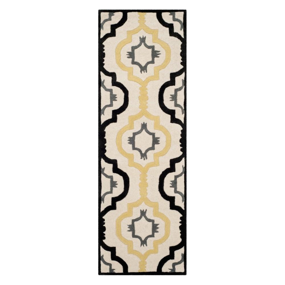 2'3X9' Geometric Runner Ivory - Safavieh, White