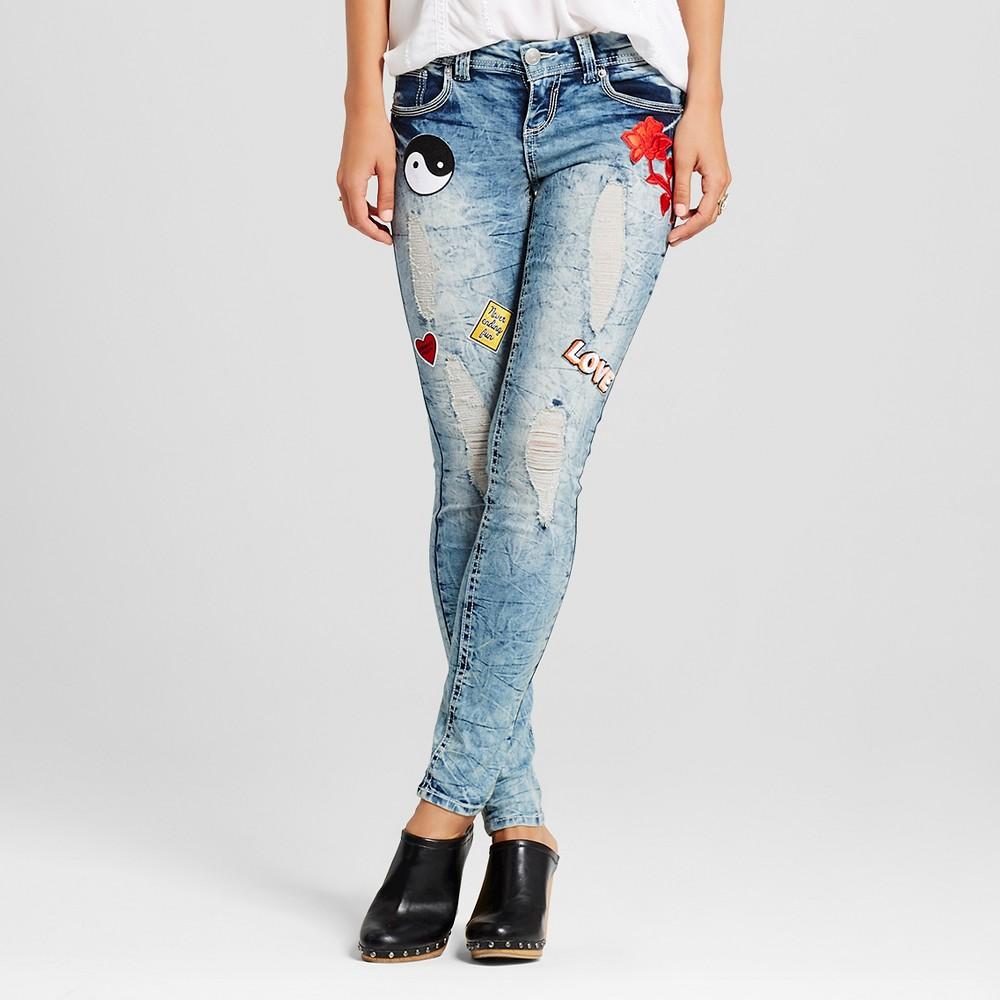 Women's Patch Destructed Skinny Jeans Medium Denim Wash 7 - Almost Famous(Juniors')