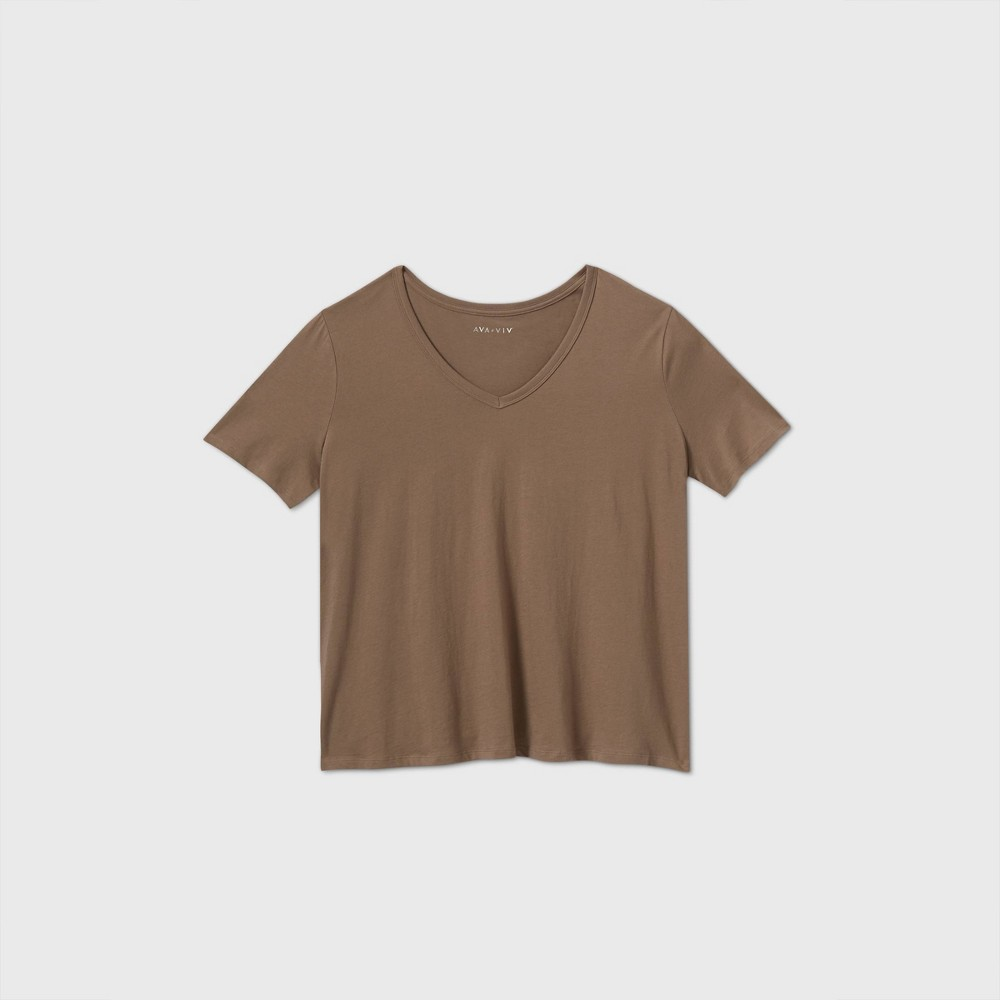 Top Women's Plus Size Short Sleeve Slim Fit V-Neck Essential T-Shirt - Ava & Viv™