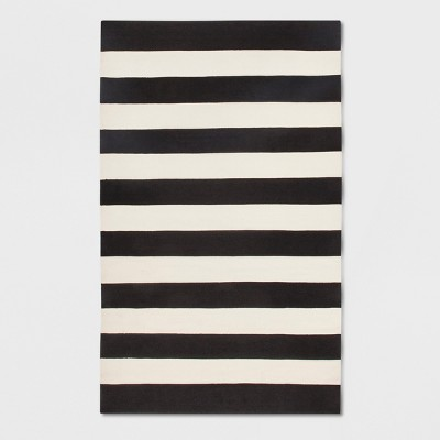 Nantucket Patio Rug Black And White 5' x 8' - Fab Habitat