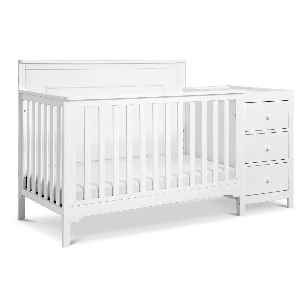 Image of Carter's By Davinci Dakota 4-In-1 Crib And Changer Combo - White