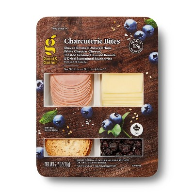 Shaved Ham, Sliced White Cheddar Cheese, Toasted Sesame Rounds and Dried Blueberries - 2.68oz - Good & Gather™