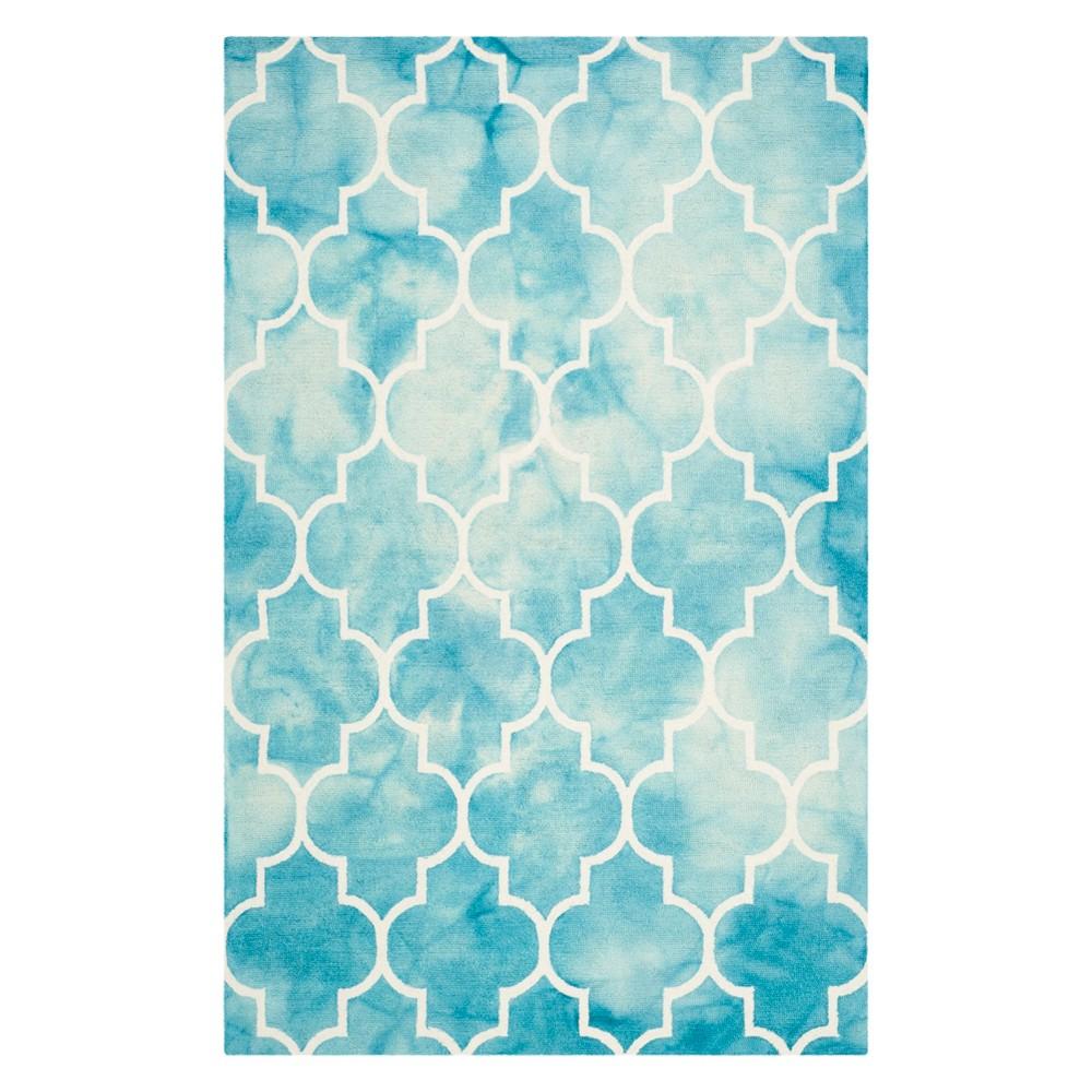5'X8' Quatrefoil Design Area Rug Turquoise/Ivory - Safavieh