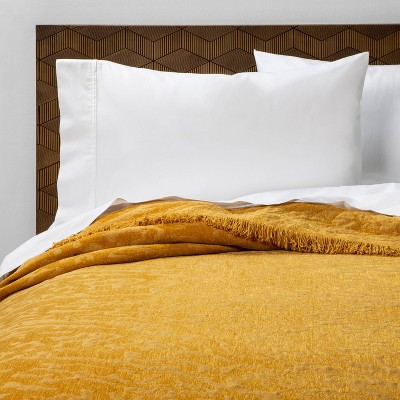 Full/Queen Alligator Chenille Fringe Coverlet Saffron - Opalhouse™