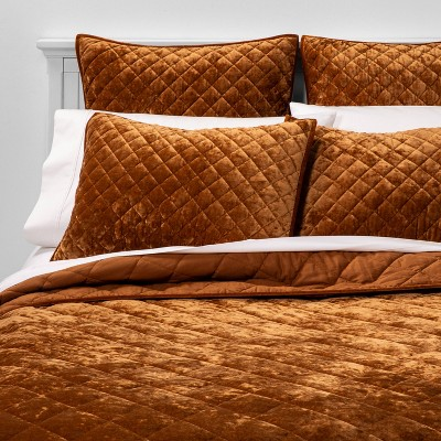King Diamond Stitch Velvet Quilt Caramel - Threshold™