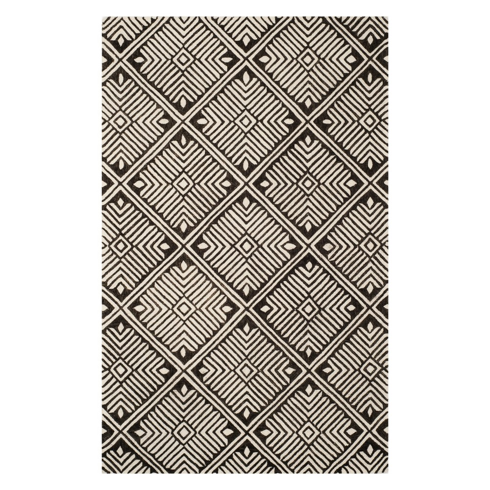 4'X6' Geometric Tufted Area Rug Ivory/Charcoal - Safavieh, White