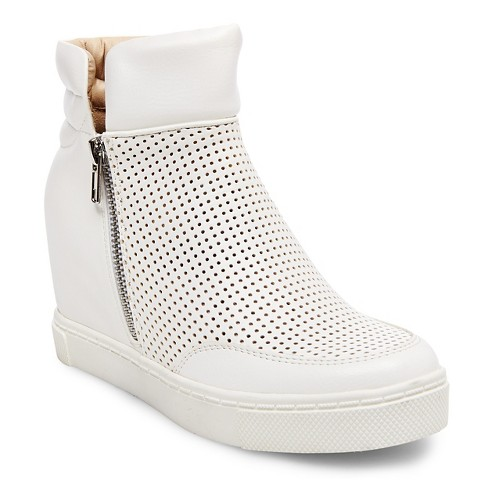 Women's Mad Love Gisel Sneakers - White 8 - image 1 of 4