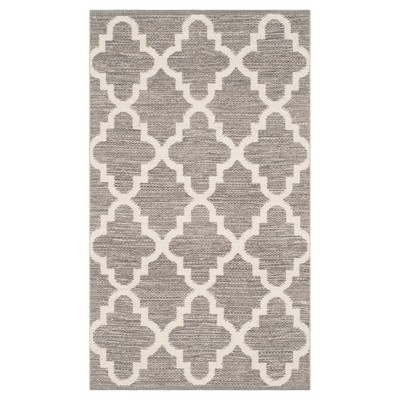 Montauk Rug - Grey/Ivory - (2'3 x3'9 )- Safavieh®