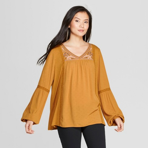 Women s Long Sleeve Lace Embroidered Peasant Top - Knox Rose™ Gold ... d59357b1c