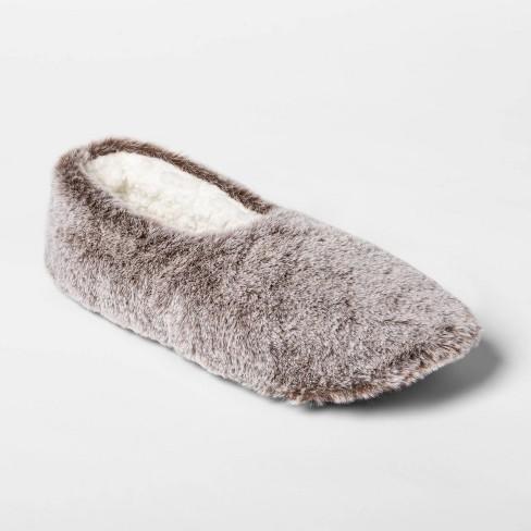 Women's Faux Fur Pull On Slipper Socks   - image 1 of 4