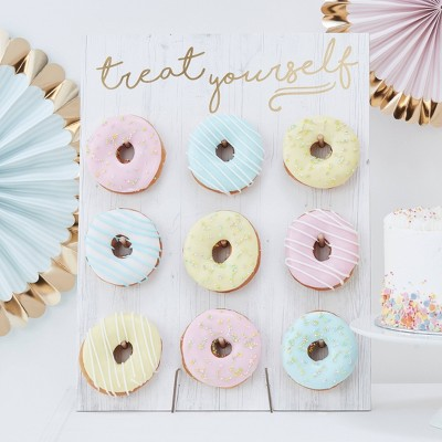 """Treat Yourself"" Donut Wall - Ginger Ray"