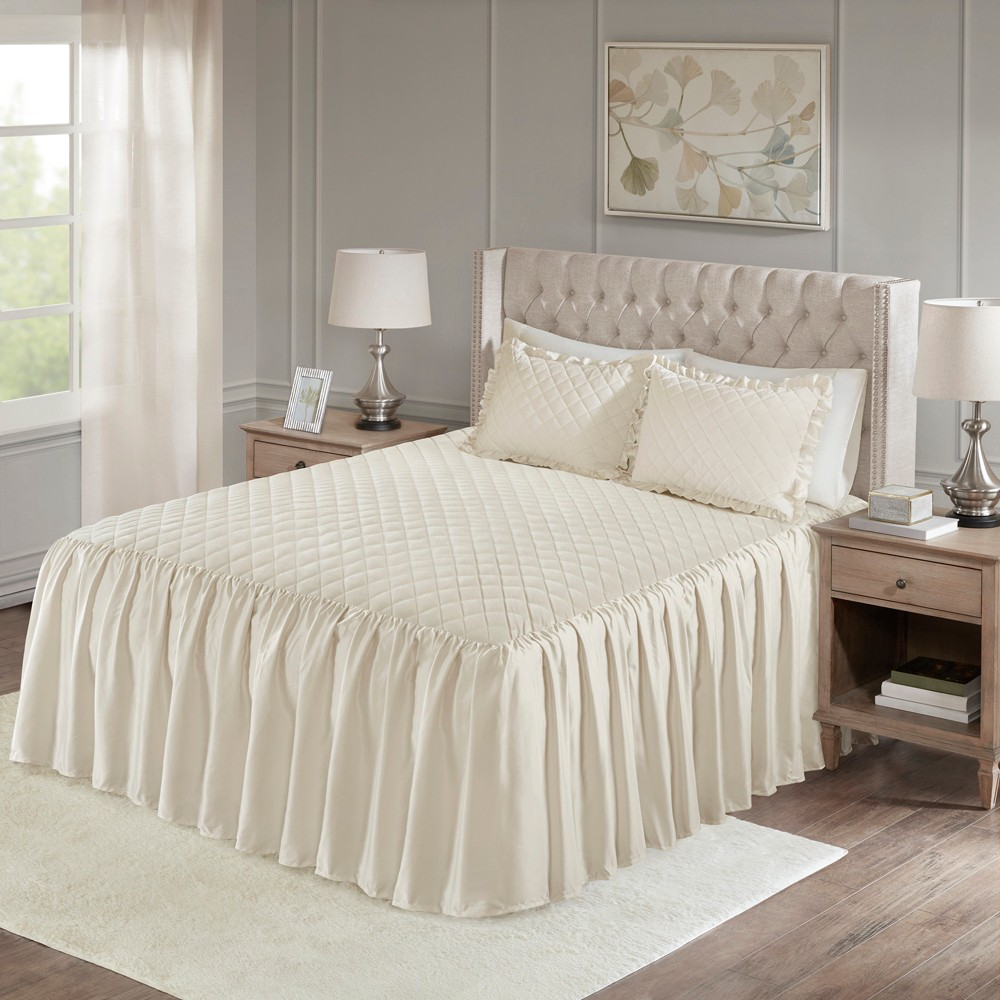 Ivory Kiana Velvet Bedspread Set (Queen) 3pc