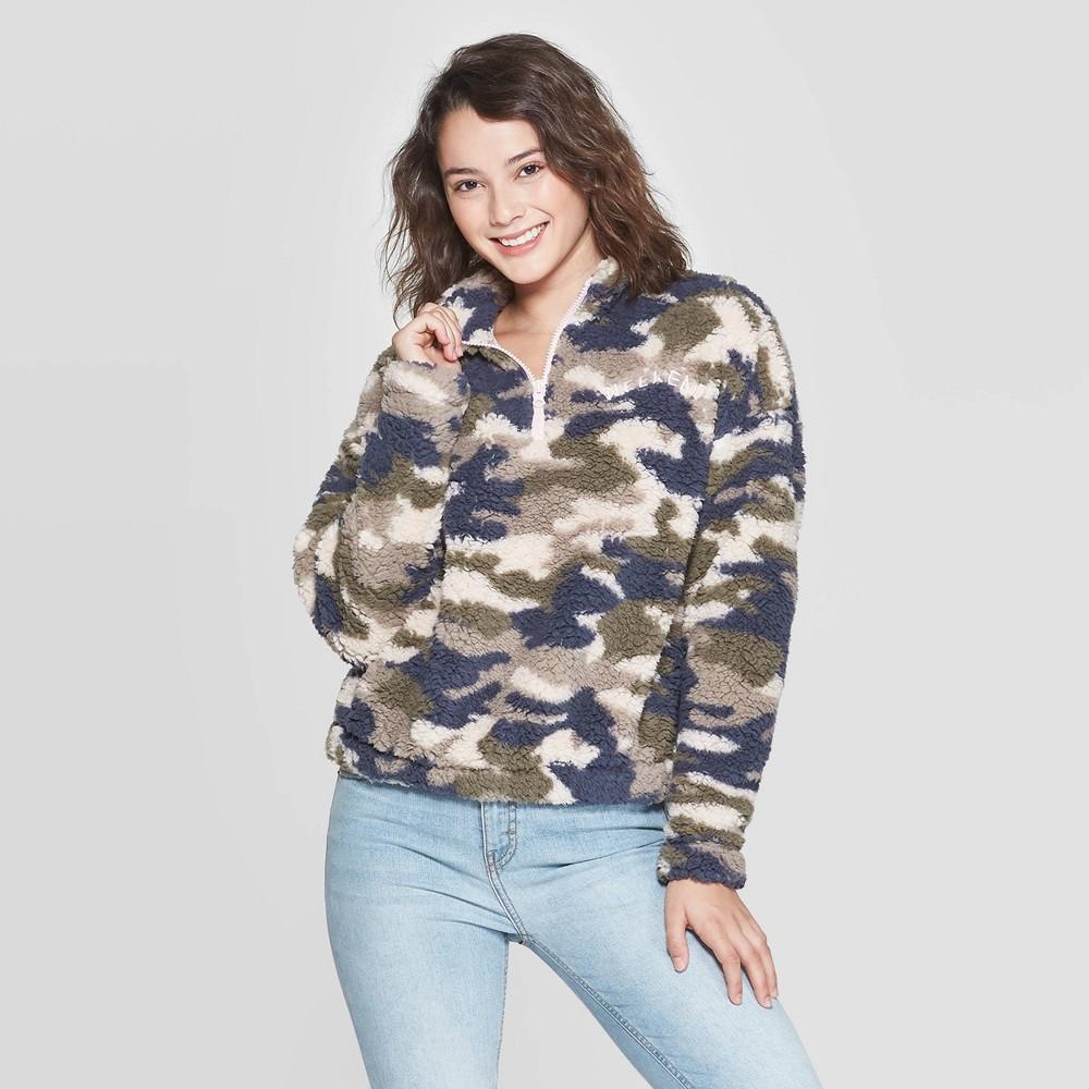 Image of Women's Camo Print Weekend 1/4 Zip Long Sleeve Sherpa Sweatshirt - Grayson Threads (Juniors') - Green L, Women's, Size: Large