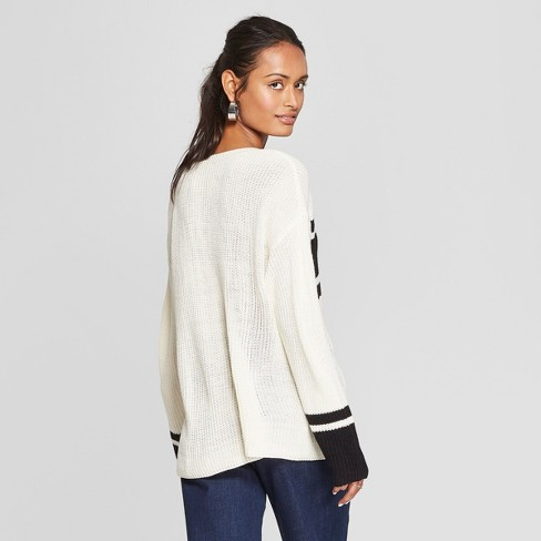 72ea281399 Women s Long Sleeve Colorblock Pullover Sweater - 3Hearts (Juniors ) Ivory