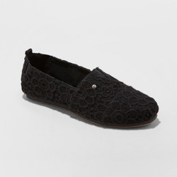 Women's Mad Love Lydia Slip on Crochet Sneakers