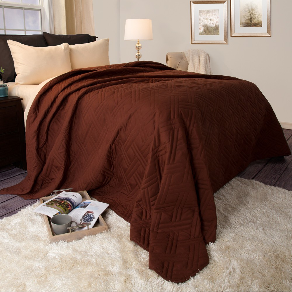 Solid Color Bed Quilt (Twin) Chocolate- Yorkshire Home, Brown