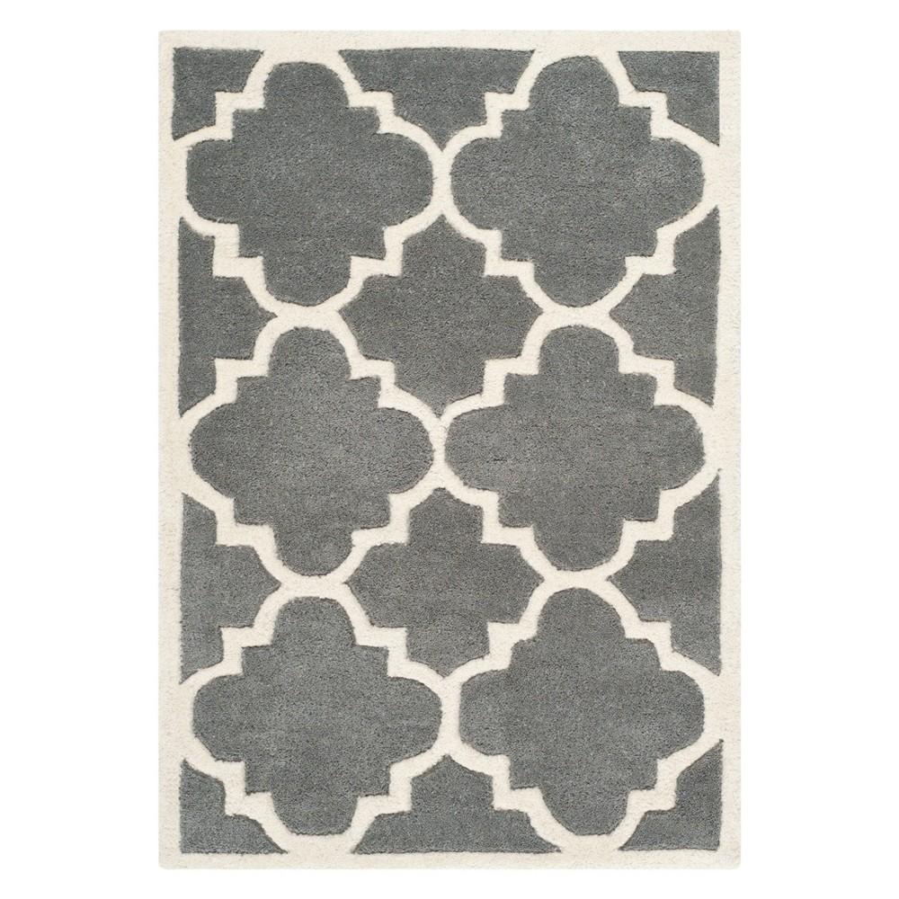 2'X3' Quatrefoil Design Tufted Accent Rug Dark Gray/Ivory - Safavieh