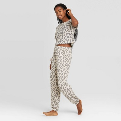 Women's Leopard Print T-Shirt and Fleece Joggers Pajama Set with Scrunchie - Colsie™ Neutral XS
