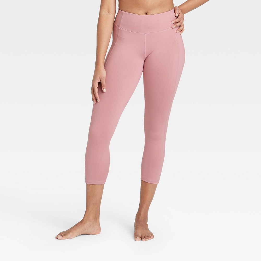 Women 39 S Simplicity Mid Rise Capri Leggings 20 34 All In Motion 8482 Faded Rose L