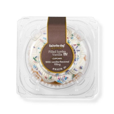 Vanilla Filled Jumbo Cupcake - 6oz - Favorite Day™