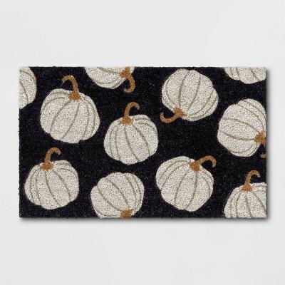 "1'6""x2'6"" Pumpkins Harvest Doormat Black - Threshold™"