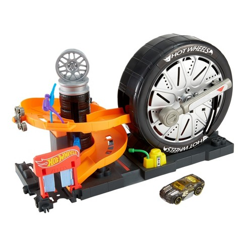 Hot Wheels City Super Spin Tire Shop Playset - image 1 of 4