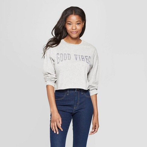 Women's Long Sleeve Scoop Neck Good Vibes Cropped T-Shirt - Grayson Threads (Juniors') - Gray - image 1 of 3