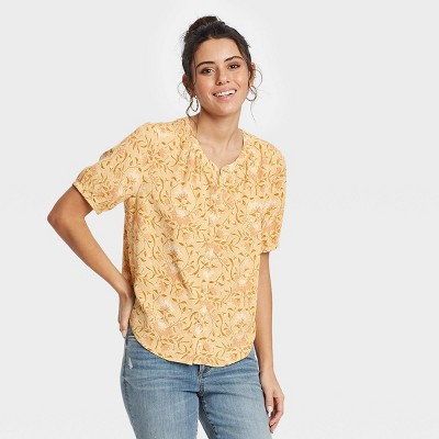 Women's Short Sleeve Tie-Front Button-Down Blouse - Universal Thread™