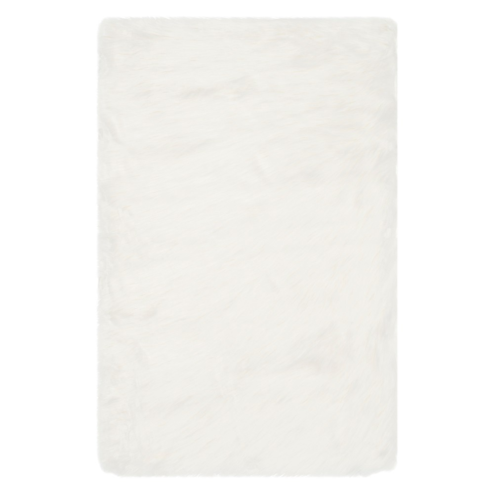 5'X7' Solid Area Rug Ivory - Safavieh, White