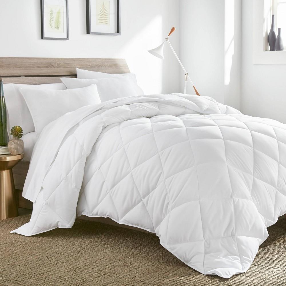 Image of Oversize King Year Round Comforter - comfortWISE, White