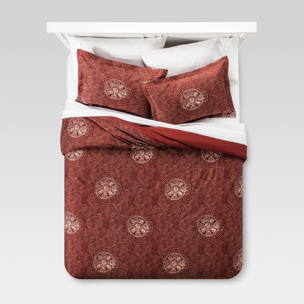 Red Printed Medallion Comforter Set (King) 3pc - Threshold