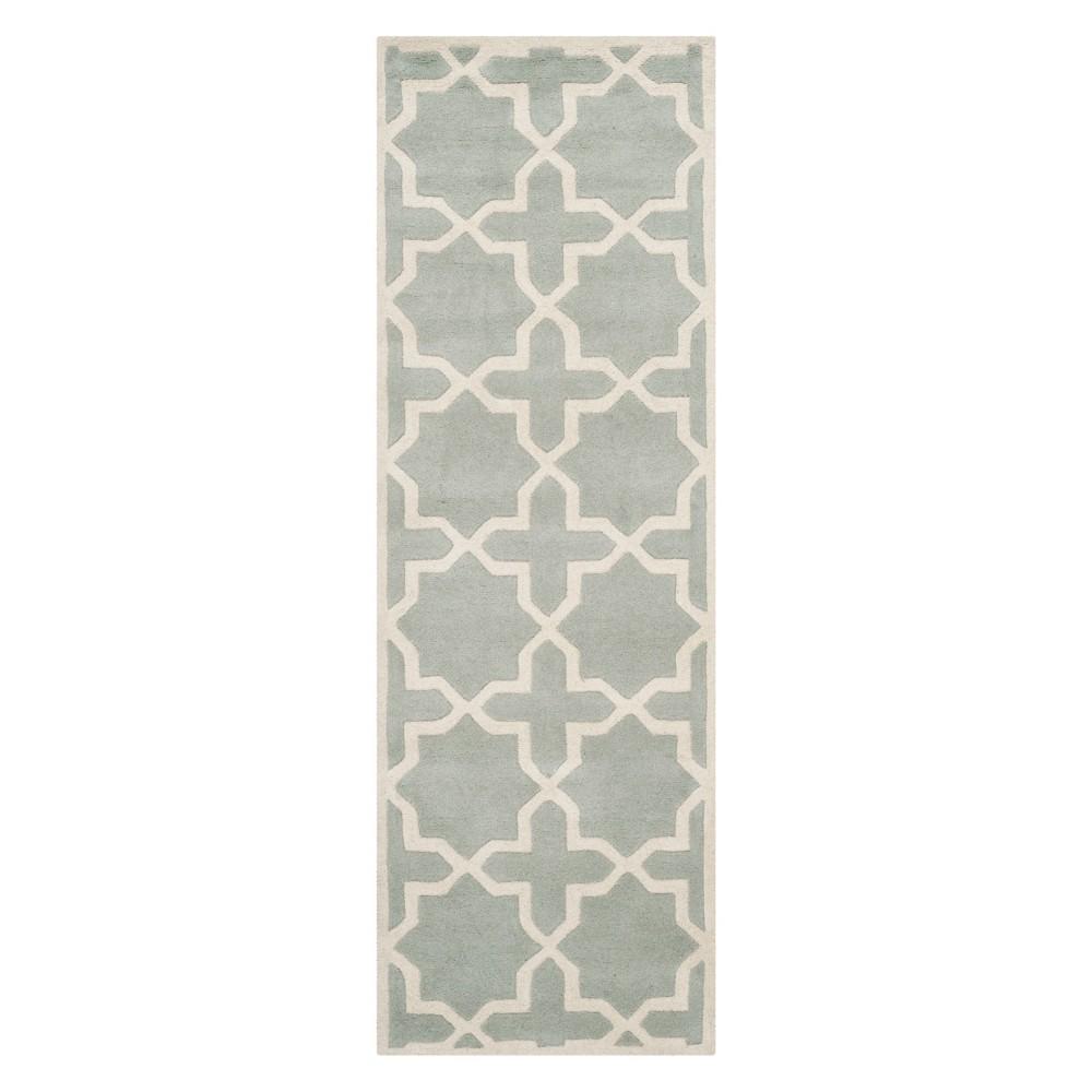 2'3X9' Quatrefoil Design Tufted Runner Gray/Ivory - Safavieh