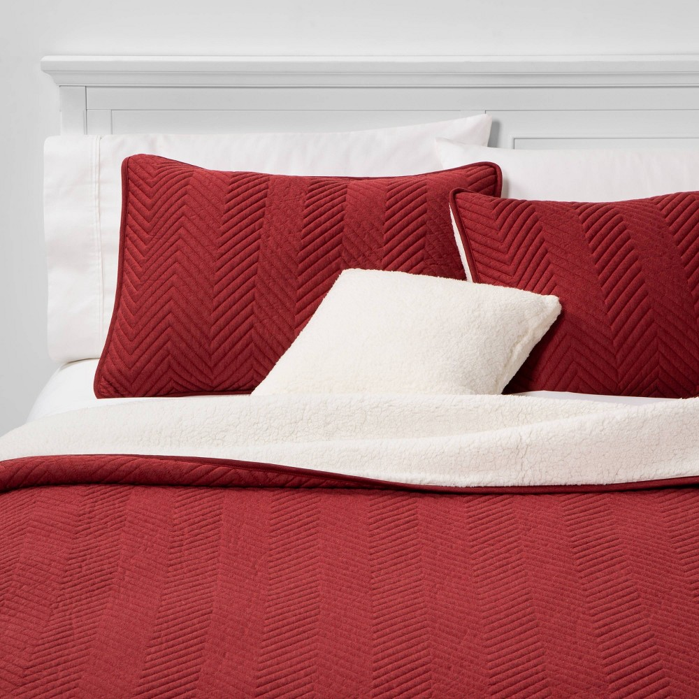 Image of Calgary Full/Queen 4pc Sherpa Quilt Set Red
