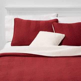 Calgary Full/Queen 4pc Sherpa Quilt Set Red