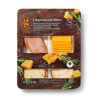Hot Capicollo, Sliced Cheddar Cheese and Toasted Sesame Rounds - 2.68oz - Good & Gather™