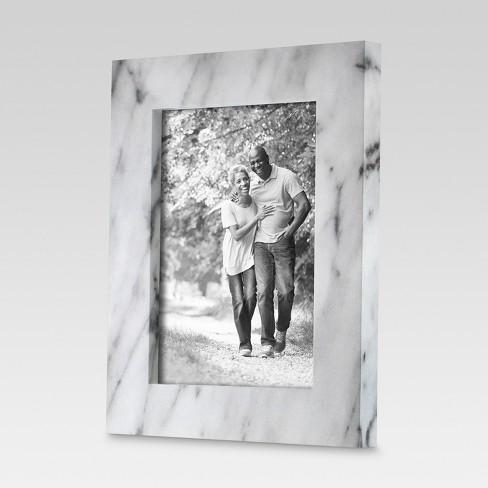 Single Image Frame Marble Finish Black & White (5\