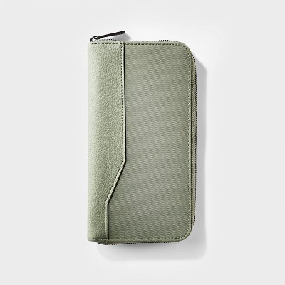 RFID Travel Wallet Olive - Open Story™
