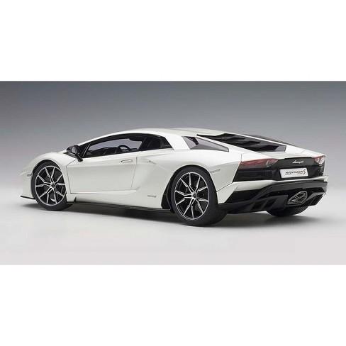 Lamborghini Aventador S Baloon White Pearl White 1 18 Model Car By