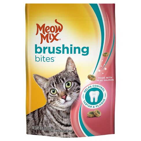Meow Mix Brushing Bites with Real Salmon Cat Treats - 4.75 oz - image 1 of 1