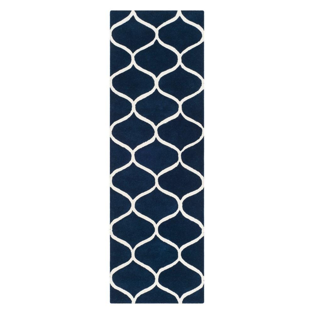 2'6X8' Geometric Tufted Runner Dark Blue/Ivory - Safavieh