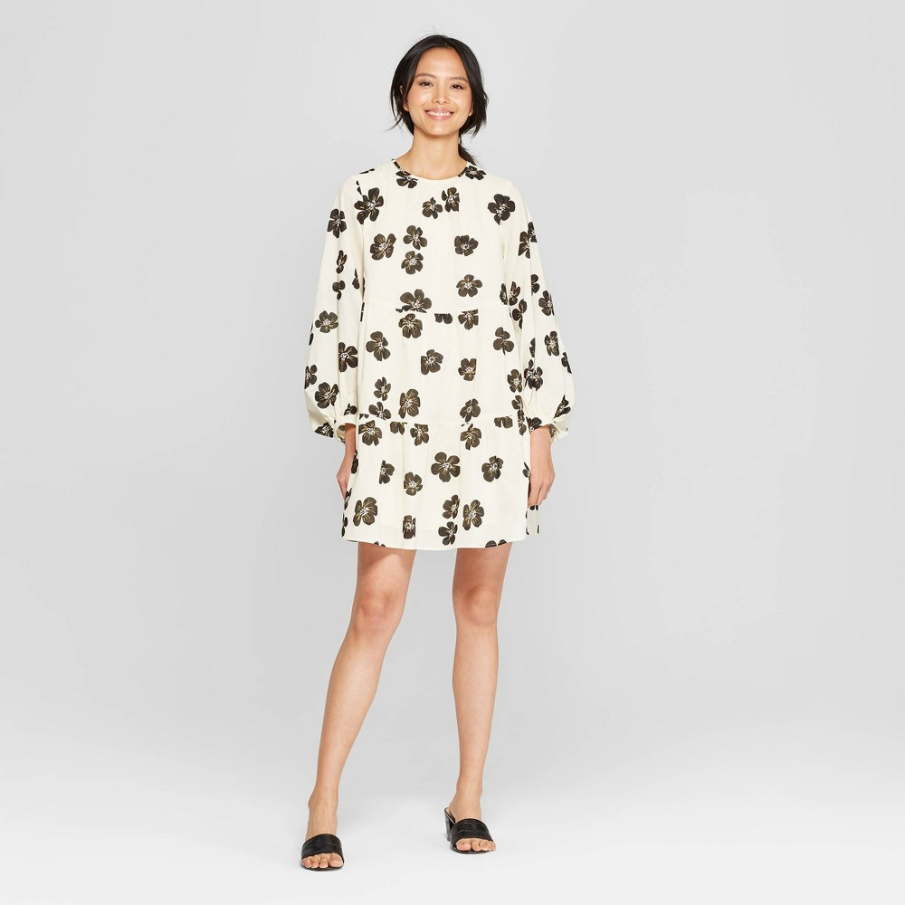 Women's Floral Print Long Sleeve V-Neck Flowy Tiered Mini Babydoll Dress - Who What Wear White L