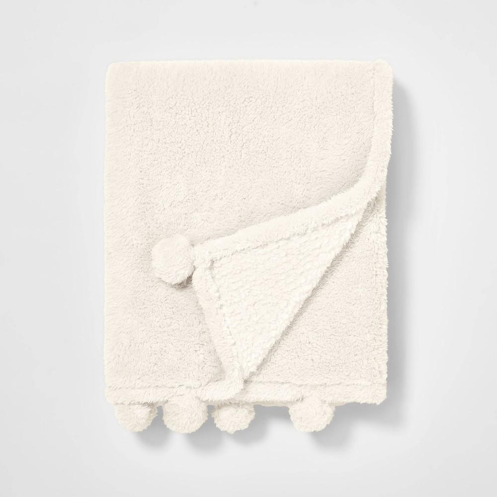 Teddy Bear Plush Throw Cream Pillowfort 8482